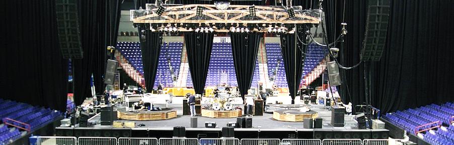 stage before lynyrd skynyrd concert